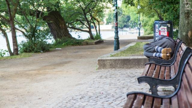 Obdachlosigkeit langfristig beenden - Housing First umsetzen